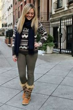 Cool 49 Adorable Winter Outfits Ideas with Wedge Boot. More at https://simple2wear.com/2018/02/15/49-adorable-winter-outfits-ideas-with-wedge-boot/