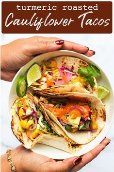 Easy and delicious turmeric roasted cauliflower tacos, served with crunchy cabbage slaw, avocado and homemade spicy sauce all ready in under 40 minutes! Vegetarian Tacos, Vegetarian Recipes, Healthy Recipes, Keto Recipes, Cauliflower Tacos, Roasted Cauliflower, Cauliflower Curry, Best Dinner Recipes, Indian Food Recipes
