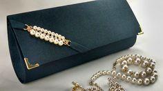 carteira de festa artesanal - Pesquisa Google Clutch Pattern, Dressing Sense, Messenger Bag Men, Clutch Purse, Bag Accessories, Shoulder Bag, Handbags, Purses, Crochet