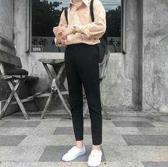 Korean Street Fashion - Life Is Fun Silo Korean Fashion Men, Korean Street Fashion, Ulzzang Fashion, Fashion Mode, Aesthetic Fashion, Aesthetic Clothes, Korean Outfits, Trendy Outfits, Cool Outfits