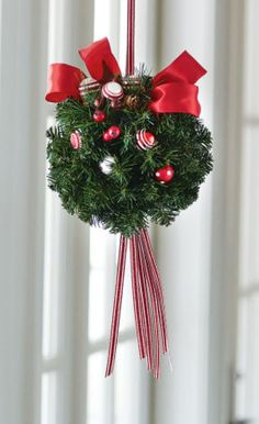 DIY Christmas Kissing Ball {The Gathering Place Design | Kissing ...
