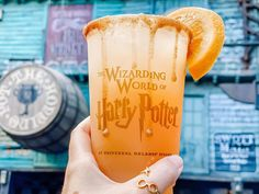 """""""Mi piace"""": 481, commenti: 61 - Wizarding World ⚡️ Susan (@justasunshinestateofmind) su Instagram: """"Otter's Fizzy Orange Juice 🍊 Another drink checked off! This was described as a watered-down orange…"""""""
