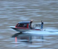 After many years of running rapids, Riddle Marine has put together the most advanced whitewater boat built yet! Powerboat Racing, Folding Boat, Navigation Lights, Power Boats, Boat Building, Riddles, Fishing Boats, Jet Boat, Houseboats