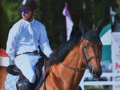 Richtig cool: Stefan Eder und Cooper M. © Privat Sport, Riding Helmets, Western Horse Riding, Deporte, Sports