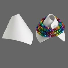 Display, bracelet, leatherette, white, x x wrap-around snap cone. Craft Show Displays, Display Ideas, Craft Stalls, Bracelet Display, Jewelry Organization, Organizers, Creative Business, Jewelry Accessories, Beads