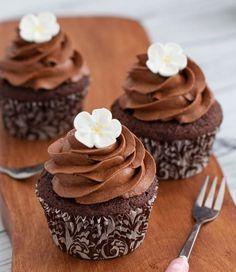 New Cupcakes Decorados Love Ideas Chocolate Cupcakes Decoration, Rustic Cupcakes, Fun Cupcakes, Wedding Cupcakes, Chocolate Muffins, Chocolate Cookies, Christmas Cupcakes, Christmas Desserts, Chocolates