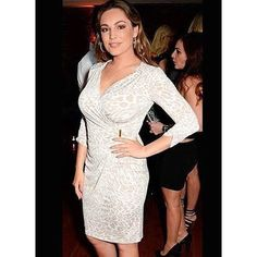 #KellyBrook looking happy and sassy as ever in #GinaBacconi SS16 at hofitgolanofficial birthday party. The Printed jersey ruched dress waist trim dress is available now online!  Shop online at www.ginabacconi.com  #GinaBacconi #KellyBrook #Print #Dress #Fashion #Style #Party #curvy #fullerfigure