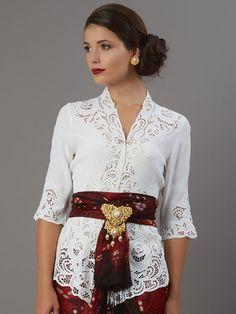 Kebaya Lace, Batik Kebaya, Kebaya Dress, Kebaya Bali Modern, Model Kebaya Modern, Blouse Batik, Batik Dress, City Outfits, Fashion Outfits