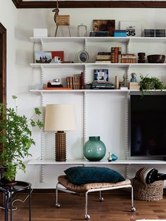 New Living Room, New Room, Home And Living, Living Spaces, Track Shelving, Ikea Algot, Home Interior, Interior Design, Studio Apartment Decorating