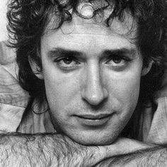 Argentine rock star Gustavo Cerati died on Thursday, four years after a stroke put him in a coma. The old was the former lead singer of the Argentine rock band Soda Stereo. Soda Stereo broke up in 1997 after 15 years, but Cerati continued a succes Soda Stereo, Music Lyrics, My Music, Latin Music, Fuerza Natural, Music Rock, Rock Argentino, Music People, My Favorite Music