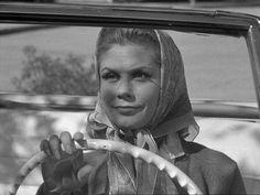 Bewitched: Season 1, Episode 28 Open the Door, Witchcraft (8 Apr. 1965), Elizabeth Montgomery