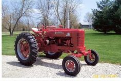 Allis Chalmers A Antique Tractors, Vintage Tractors, Vintage Farm, Case Ih Tractors, Farmall Tractors, International Tractors, International Harvester, Cub Cadet Tractors, Tractor Photos