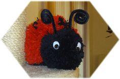 Hier habe ich für Sie ein traumhaft süßes Bommeltier im Angebot.  Dieser kleine Marienkäfer Mariellchen ist ein handgefertigtes Unikat und such...