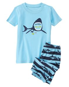NWT The Childrens Place Shark Jawsome Glow in the Dark Short Sleeve Pajamas Set