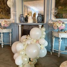 """Stationery & Floral Design on Instagram: """"Lovely decoration for @anjazeidler & @mi.an26 babyshowerparty. Elegant and romantic color combination for a gender free babyshower. The…"""" Color Combinations, Babyshower, Floral Design, Gender, Stationery, Romantic, Elegant, Decoration, Free"""