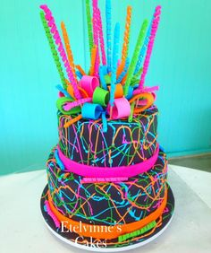 Bolo Five Nights at Freddy's no Neon Birthday Cakes, 13th Birthday Parties, 14th Birthday, Birthday Cake Girls, Birthday Party Themes, Glow In Dark Party, Glow Party, Disco Party, Bolo Neon