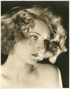 Gwili Andre, photo by Ernest A. Bachrach, early Gwili Andre was a Danish model and actress who had a brief career in Hollywood films. Foto Portrait, Portrait Photography, Vintage Glamour, Vintage Beauty, Vintage Pictures, Vintage Images, Dolores Costello, Foto Fashion, Photocollage
