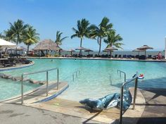 Radisson Blue Fiji. A fabulous wc-friendly pool>>> See it. Believe it. Do it. Watch thousands of spinal cord injury videos at SPINALpedia.com