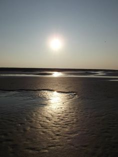 baie de SOMME.... San Fernando Valley, Jolie Photo, French Art, Sunsets, Beaches, Nature, Greece, Sunrise, Waiting