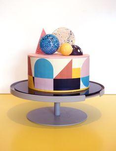 Creative Birthday Cakes, Pretty Birthday Cakes, Creative Cakes, Graduation Cake Designs, Wedding Cake Designs, Wedding Cakes, Modern Cakes, Unique Cakes, Bakery London