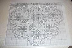 Filet Crochet, Crochet Doilies, Labor, Beaded Embroidery, Table Runners, Diy And Crafts, Projects To Try, Cross Stitch, Monogram