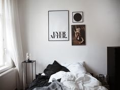 Interiorinspiration for cozy winter at home from www.schwarzersamt.com with JUNIQE ARTSHOP poster, IKEA bed & bedding, MAISON DU MONDE side table, winter decoration, bedroom, interiorinspo, bloggerhome