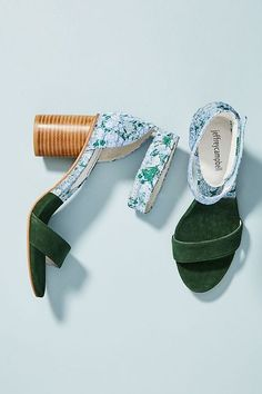 27 Summer Shoes Trending Today 27 Sommerschuhe im Trend heute This image. Hot Shoes, Wedge Shoes, Shoe Wedges, Wedges Outfit, Washi Tape, Urban Outfitters, Shoe Wardrobe, All About Shoes, Pretty Shoes