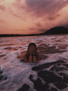See more of gurl-moods's content on VSCO. Beach Photography Poses, Beach Poses, Summer Photography, Cute Beach Pictures, Summer Pictures, Beach Aesthetic, Summer Aesthetic, Summer Poses, Instagram Pose