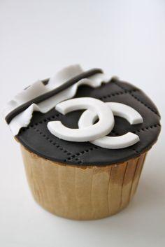 Celebrate with Cake!: Fashion Cupcakes