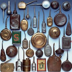 A Great Collection of tiny Oil Tins, the Singer and the one right under with a great mechanism are in my Collection, For Sale Antique Tools, Old Tools, Vintage Tools, Vintage Sewing, Collections Of Objects, Displaying Collections, Vintage Oil Cans, Harley Davidson, Vintage Textiles