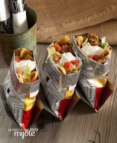 Bar à tacos dans des sacs #recette Mets, Fresh, Food, Taco Seasoning, Drizzle Cake, Cooking Food, Mexicans, Shredded Beef, Healthy Slow Cooker