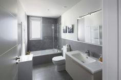 #Baño #moderno #decoracion via @planreforma #accesorios #sanitarios #vidrio #iluminacion #espejos #griferia #baldosas #armariosdiseñado por joanPMP   Arquitecto