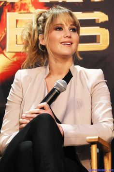 Last Hair Models , Hair Styles | Jennifer Lawrence's bangs with ponytail: A great messy look!!