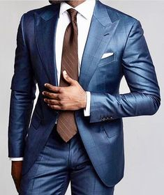 If you are in the market for brand new men's fashion suits, there are a lot of things that you will want to keep in mind to choose the right suits for yourself. Below, we will be going over some of the key tips for buying the best men's fashion suits. Mens Fashion Blazer, Mens Fashion Blog, Best Mens Fashion, Mens Fashion Shoes, Suit Fashion, Boy Fashion, Fashion Outfits, Terno Slim, Style Costume Homme