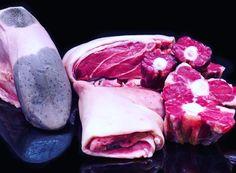 Il manzo kobe italiano è in Piemonte: la carne di Vicciola mucca allevata a nocciole. Scopri tutto su www.gamberorosso.it #carne #vicciola #piemonte #manzo #kobe #manzodikobe #food #meat #cibo #instagood #instafood