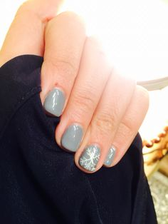 I got my nails done the other day thought I would share my holiday spirit! Shellac, gray, snowflake
