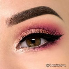 36 Trendy Natural Pink Eye Makeup Looks These trendy Makeup ideas would gain you amazing compliments. Check out our gallery for more ideas these are trendy this year. Trendy Natural Pink Eye Makeup Looks, Makeup Hacks, Eye Makeup Tips, Makeup Goals, Makeup Inspo, Makeup Eyeshadow, Beauty Makeup, Makeup Ideas, Easy Eyeshadow, Eyeshadow Tutorials