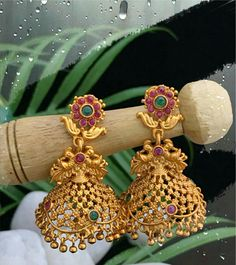 Jewelry Design Earrings, Gold Earrings Designs, Gold Jewellery Design, Gold Earrings For Women, Gold Jewelry Simple, Antique Gold, Studs, Gold Necklace, Bangles