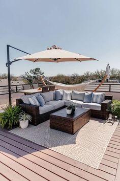 140 Stunning Rooftop Terrance Ideas and Design Tricks - Cozy Home 101 Backyard Patio Designs, Backyard Pergola, Pergola Designs, Pergola Ideas, Screened Patio, Terrace Ideas, Outdoor Pergola, Outdoor Ideas, Outdoor Decor