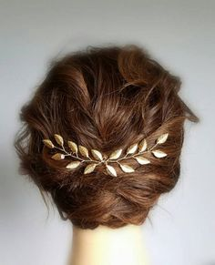 Check out our hair accessories selection for the very best in unique or custom, handmade pieces from our shops. Bridal Hair Vine, Hair Comb Wedding, Wedding Hair Pieces, Bridal Comb, Wedding Headband, Bridal Tiara, Gold Hair, Bandeau, Wedding Hair Accessories