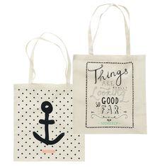 Hip en handig: deze katoenen tasjes met leuke print van HEMA. Hema Deco, Jute, Personalized Tote Bags, Buy Bags, Cute Little Things, Too Cool For School, Cotton Bag, Diy Paper, Canvas Tote Bags