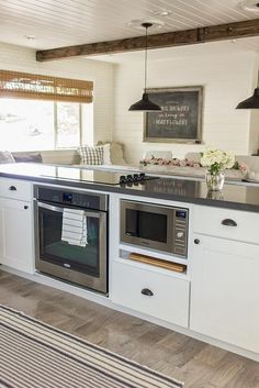 Best Built In Microwave Cabinet Inspirations For Beautiful Kitchen Kitchen Island With Cooktop, Island Cooktop, Kitchen Islands, Island Bar, Island Bench, Stove Top Island, Counter Top Stove, Kitchen Stove Top, Small Island