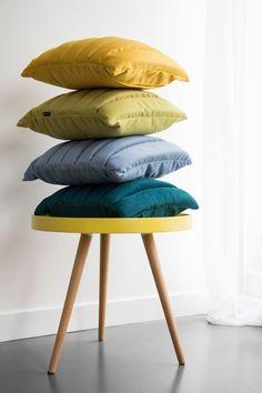 Dekoracyjne poduszki od Moodi to stylowa fuzja geometrycznej formy i najwyższej jakości wykonania.