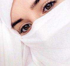 HIJAB💗 Niqab Eyes, Hijab Niqab, Muslim Hijab, Hijab Chic, Mode Hijab, Beautiful Muslim Women, Beautiful Hijab, Beautiful Eyes, Arab Girls Hijab