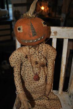 Prim Grunged Pumpkin Head Doll...