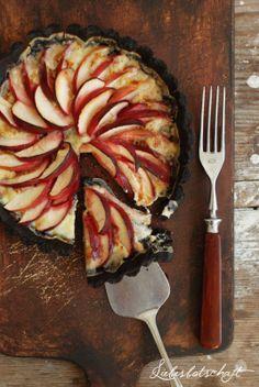 Liebesbotschaft: Schokoladen-Apfel-Tarte