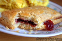 made with homemade healthy pastry puff! Informations About Homemade Toaster Strudel; made with homemade healthy pastry puf Homemade Toaster Strudel, Breakfast Recipes, Dessert Recipes, Breakfast Ideas, Breakfast Time, Puff Pastry Dough, Healthy Food Blogs, Healthy Recipes, Pop Tarts