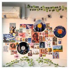 Indie Bedroom, Indie Room Decor, Cute Room Decor, Aesthetic Room Decor, 70s Aesthetic, Hipster Room Decor, Artist Aesthetic, Aesthetic Vintage, Teen Bedroom