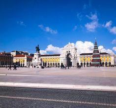 Praça do Comércio in Lisbon Portugal  #lisboa #portuguesa #reise #reiseblog #portugal #travel #travelblogger #traveling #love #instagood #me #follow #tbt #cute #like #photooftheday #followme #tagsforlikes #happy #beautiful #girl #picoftheday #instadaily #fun #smile #igers #selfie #friends #trip