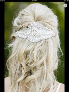 Anna Campbell hair piece half up 'do it looks cute try it its awesome Wedding Looks, Bridal Looks, Dream Wedding, Wedding Veils, Wedding Favors, Wedding Decor, Wedding Ideas, Diy Wedding Planner, Wedding Hair And Makeup